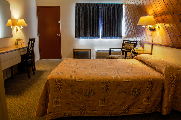 Motel princesse le confort au rendez vous for Lit 54 pouces queen